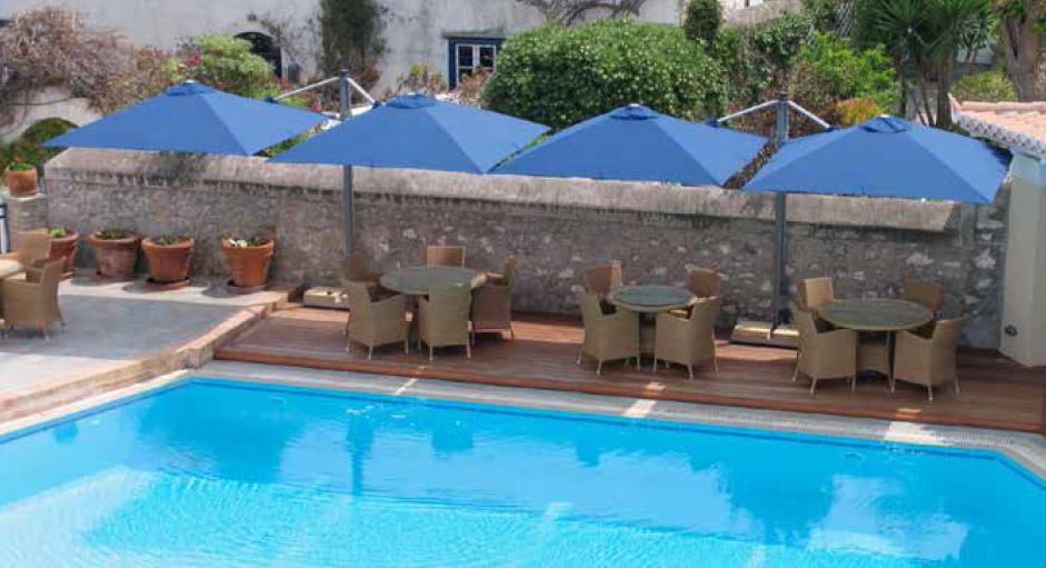 Parasol pour terrasses de piscines ext rieur confort for Piscine bois 4x3