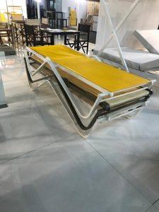 Transat Portofino Gamme Ramberti Italie empilable Coloris de toile PVC au choix Couleur de stucture aluminium au choix. matériel professionnel